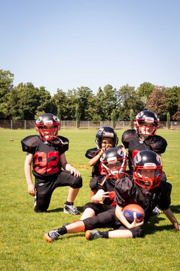 Kids in Action: Kinder probieren American Football aus