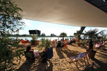 Der Beach Club des alltours Open Air Kinos